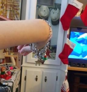 christmas-charm-bracelet